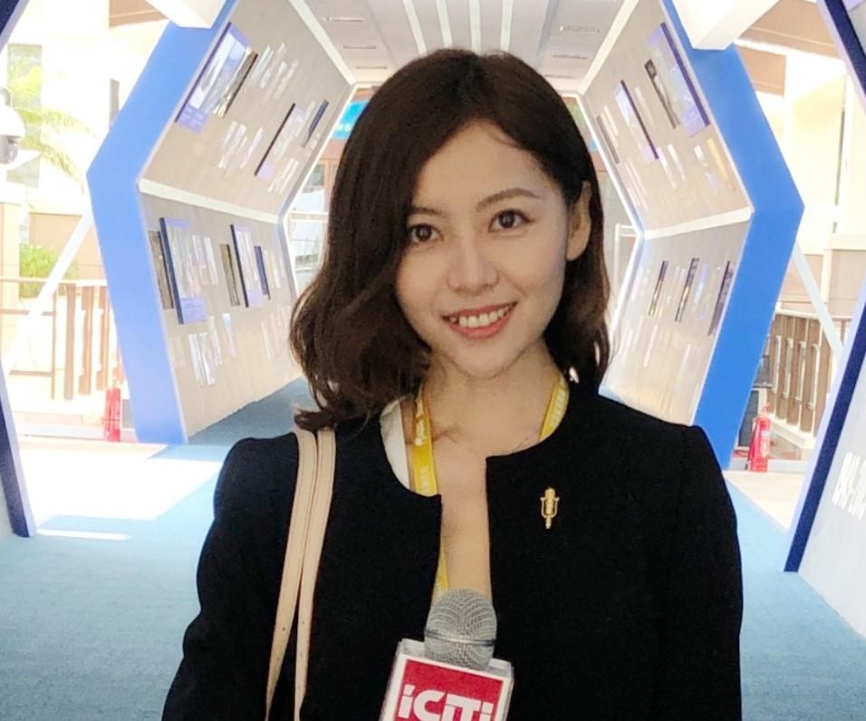 Julia Hang